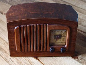 Alter Radioempfänger (c) Armstrong1113149 / WikimediaCommons