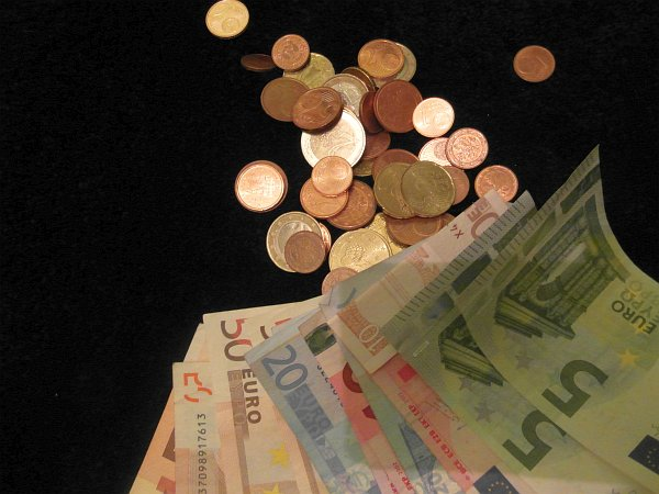 Money makes the world go round (c) HESSENMAGAZIN.de